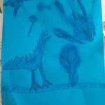 Niebiski rysunek - dinozaur, dłoń