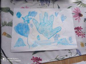 Niebieski rysunek - dłoń, balony serca, gwiazdka