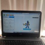 Robot na laptopie - praca ucznia